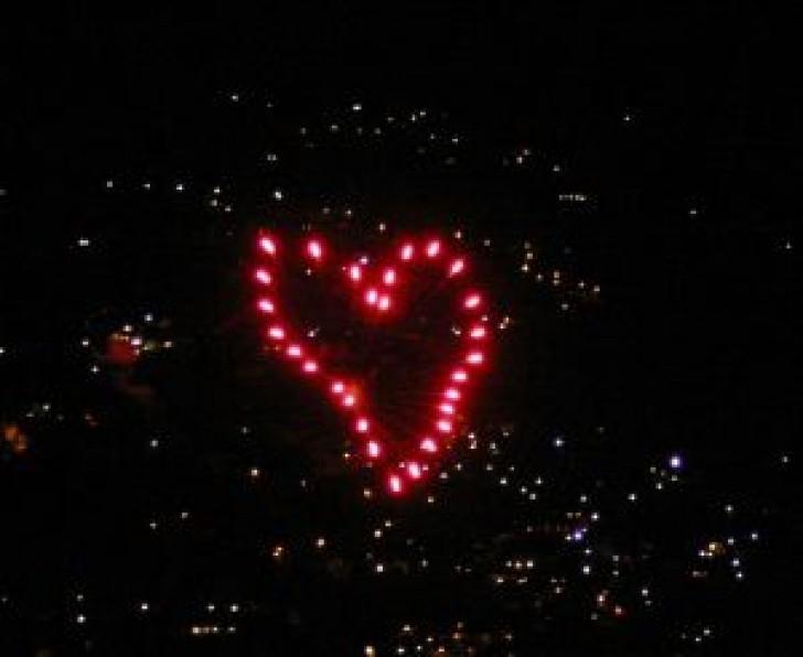 fuochi-d-39-artificio-a-forma-di-cuore_2380403